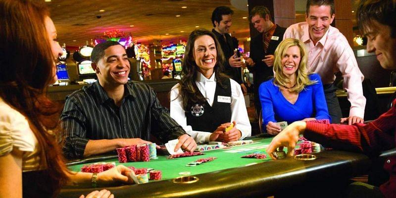 Slot machine games with progressive jackpots